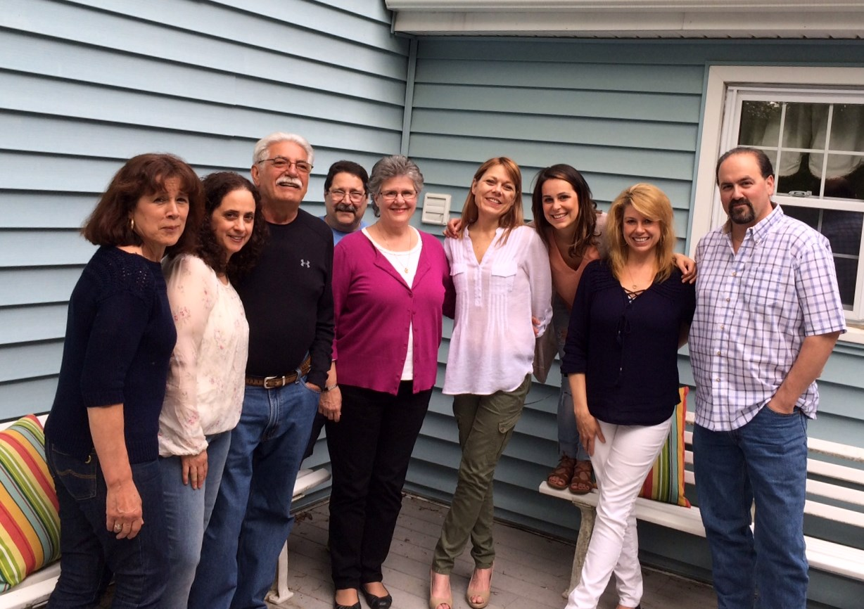 Sunday dinner with Venilde, Lisa, Joe, Mike, Joyce, Jen, Amber, Brenda and Scott May, 2016